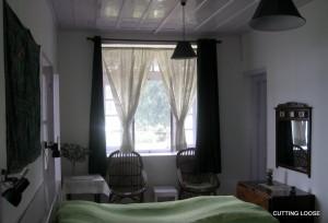 Bedroom, KO